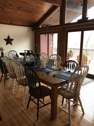 Norfork Lake dining room